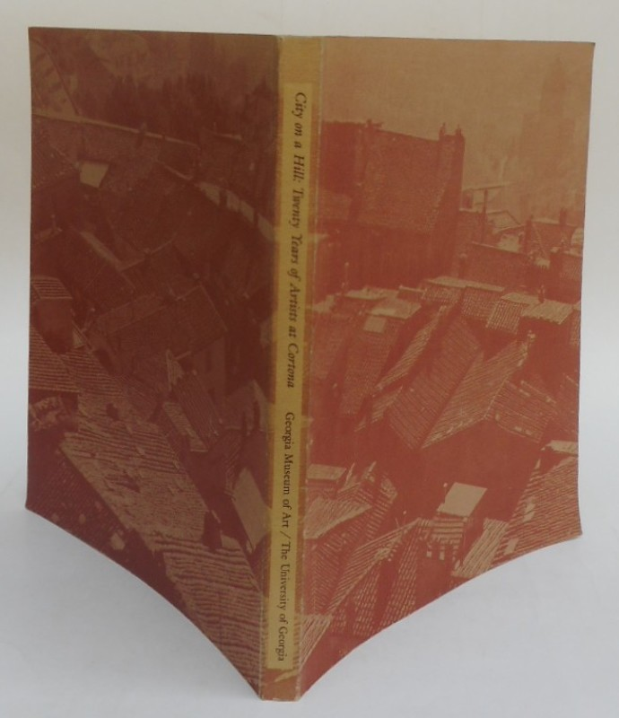   City on a Hill: Twenty Years of Artists at Cortona. Exhibition catalogue with many b/w-pictures