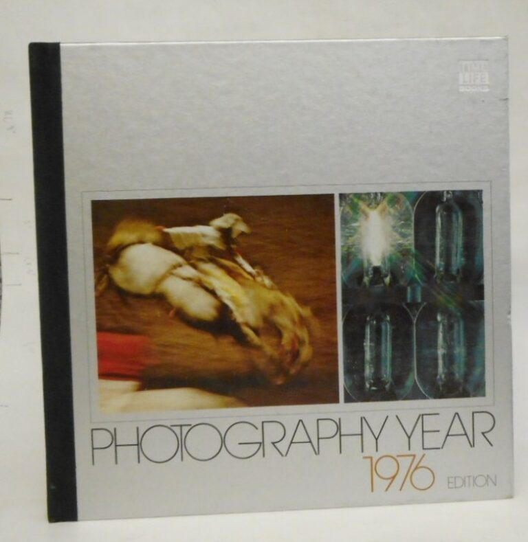 | Photography Year 1976. With many pictures.